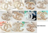 Wholesale Diamond brooch set auger women deserve to act the role of brooch shirt clip chain scarves buckle pins