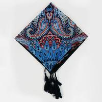 Venta al por mayor caliente 2016 nuevas mujeres de diseño borla de anacardo tótem impresión cuadrado bufanda Musim Hijab cinta de abrigo nación envoltura de estilo