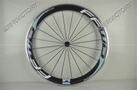 Wholesale 700C mm white blue carbon wheels alloy clincher carbon fiber bicycle wheels with Novatec or Powerway hub speed available