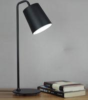 Revisiones Mesa moderna habitación lámparas-Contemporáneo contraído lámpara de escritorio de LED de hierro forjado el aprendizaje que el escudo de un ojo de la creatividad personal estudio de oficina de dormitorio lámparas de mesa
