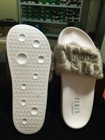 Wholesale 2017 Newest Style Leadcat Fenty Rihanna Shoes Men Women Slippers Indoor Sandals Girls Scuffs Cheap Fur Slides High Quality