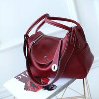Wholesale 2017 Genuine Leather vintage trendy classic boston elegant bag trunk lock tote lychee burgundy wine red handbag pad quot quot