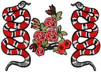 al por mayor bordado de hierro-Bordado Patches Serpiente Flores Rosas DIY Hierro en parches para los niños Ropa Bolsa, Personalizado MOQ 100pcs