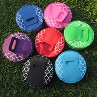 Wholesale Quatrefoil Round Insulated Food Carrier Bags Blanks Microfiber Zipper Closure Picnic Food Carrier DOM106110