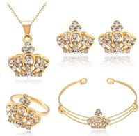 Perle collier pendentif Prix-2017 nouvelle Europe de la mode des bijoux en diamant bijoux de mariage en gros de délicatesse des femmes perle de la couronne et des filles colliers pendentifs boucles d'oreilles bracelet