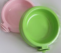 Wholesale Can be fixed in a cage on the plastic bowl pet utensils Shuiju Plastic Dog Bowl pet dog bowl
