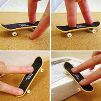 Wholesale Plastic Party Favor Kids children Mini Finger Board Fingerboard Skate Boarding Toys Gift for boys and girls skate de dedo