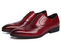 achat en gros de dres de mariage de haute qualité-Pointu hommes chaussures brogué chaussures de mode à lacets jusqu'à hommes en cuir véritable chaussures de haute qualité mariés chaussures dres plus la taille 37 44