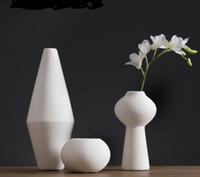 Wholesale Pure Handmade Porcelain Three Size Flower Vases Interior Design Pot Luxury Modern Style Decorative Ceramic Art Vase White Color Home Déc