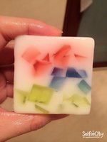 Wholesale This kind of natural handmade soap is made from fruit essential oil and it can moisturizing desalt the fleck whitening smell very nice