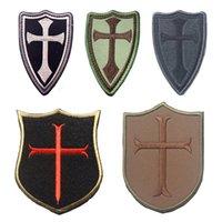 achat en gros de broderie bouclier-50 PCS Croix Croisé Chevaliers Croix Patch Cross Armée Tactique Badge HookLoop Broderie 3D Appliques Patches Vente en gros 888