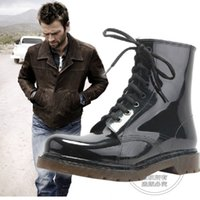 Imperméable en caoutchouc Flat Black Anti Slip High Top Wellies Solid Grande taille Ankle Lace Up Male Water Mode Bottes d'été Wading