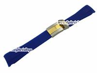 Vente en gros-20mm Nouveaux Hommes Femmes Bleu Silicone Caoutchouc Bracelet Bande Bracelet Ceinture Courbé Fin Moyen Or Deux Tone Broche Deuton Fermoir De Déploiement