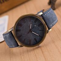 Precio de Cerámica blanca reloj de pulsera-Relojes de cuarzo de alta calidad de la marca de fábrica de la señora blanca de los relojes de cuarzo de la marca de fábrica para las mujeres Relojes exquisitos de las mujeres de la marca de fábrica W009