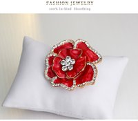 Wholesale Ms high grade crystal rose brooch brooches male sweater cardigan suit coat jacket pin scarf buckle accessories