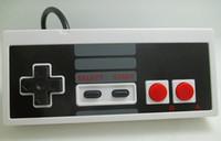 Precio de Joystick usb-Joystick aleatorio Joypad del videojugador del juego del regulador del USB al por mayor para NES PC de Windows para los accesorios del ordenador del MAC Videojuegos