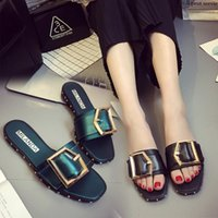 Wholesale New Fashion Women s Shoes Summer European and American fashion metal buckles slippers antiskid sandals beach shoes