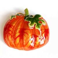 Wholesale New Pumpkin Sweet Christmas Gift Brooch Pin New Special Enamel Cute Hot Selling Brooch Jewelry