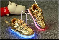 2017 enfants Enfants Led Chaussures Lumineuses Garçons Filles Chaussures Luminaires Chaussures Enfants Chaussures Casual Chaussures Baby Boy Girl Chaussures Enfant Flat