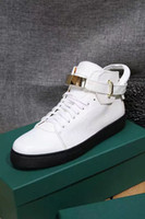 Wholesale Men Women New Luxury Genuine Leather Sports Running Flat Shoes Unisex Brand Designer Lock Buckle Casual Sneakers Size