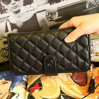 Wholesale Quilted leather women wallet two folds Long standard lady wallet with flower mental detail Purse clutch lambskin looking PU color YR291
