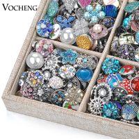 al por mayor botones de ventas-Ventas de la mezcla de la venta de separación de Vocheng Noosa 50pcs / 100pcs / 200pcs / 500pcs / bag Accesorios aleatorios del botón de presión cristalina de Choice18mm al azar Vn-720