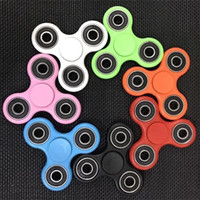 Wholesale Stocks Hand Spinner Triangle Tri Fidget Acrylic Plastic Ball Desk Focus Toy EDC For Kids Adults Finger Spinning Top With Retail Box