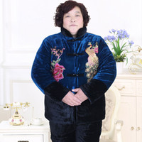 Wholesale Middle aged and old velvet winter jacket female warm heavy cotton padded clothes grandma outfit suits code thickening embroidery PSRTZ