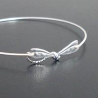 achat en gros de bracelets exquis-Bracelet exotique Dragonfly 2016 Dernières Unique Bracelet Cuff animaux Gold / Silver couleur disponible YP2425