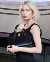 Wholesale Popular Black Women Handbags England Style Genuine Leather Zipper Motorcycle Handbags for Ladies with Lock