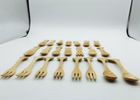 Wholesale Wooden spoon cartoon baby spoon to creative animals Ice cream scoop small meal Solid wooden tableware
