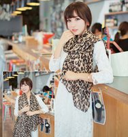 Vente en gros-1pcs longue écharpes imprimés léopard écharpe en élastique écharpe châle pour garder chaud pour la mode femmes sexy style été