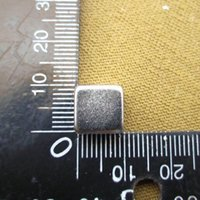Aimant fort 10 * 10 * 10mm de néodyme de la terre rare d'aimants 10x10x10mm de vente chaude 100pcs Livraison gratuite