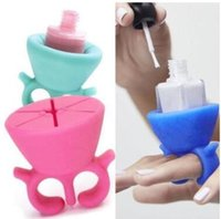 Wholesale New Arrival Hot Soft Silicone Finger Wearable Nail Polish Bottle Holder Creative Wearable silicon nail polish holder with ring