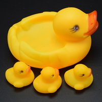 Wholesale Float Little Yellow Duck Bath Toys Baby Summer Cartoon Swimming Play Set Toddler Water Beach Cute New