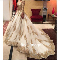 Model Pictures art amazing - 2017 V neck Long Sleeve Arabic Evening Dresses Gold Appliques embellished with Bling Sequins Sweep Train Amazing Prom Dresses Formal Gowns