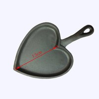Wholesale Non Stick Mini Roast Heart Shape Pan Cast iron frying pan fried Egg with a handle integrative style