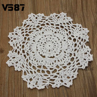 tricot de table achat en gros de-Vente en gros - Rond Handmade Crochet Lace Floral Doilies Vintage Knit Cup Coasters Vaisselle Placemat Pad Wedding Table Decor Tissu 8