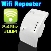 al por mayor amplificador de señal wifi gratuito-El amplificador sin hilos de la señal del amplificador de la gama de la señal del repetidor 300Mbps WiFi de WIFI del envío libre consolida el enchufe de la UE US UK AU de la UE del wif-Booster