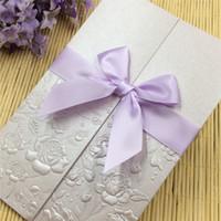 al por mayor invitaciones pliegues-Invitaciones de boda invitaciones de boda cortadas por láser invitaciones de boda conjuntos Blank Inside con pegatina de sobres tamaño plegable 4.37x6.7inch