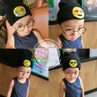 Wholesale 2016 Ins hot selling emoji smile warm caps knitting hat for boy and girls in cold weather