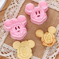 Wholesale 2PCS Cute Cartoon Shape Christmas Gift Cookies Cutter Biscuit Mould DIY Fondant Baking Decorating Molds Baking Pastry Tools