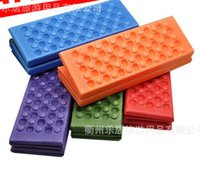 Wholesale Outdoor Pads Moisture Barrier Climbing Portable Foam Small Mat Ultra Light Waterproof XPE Dots Picnic Mats Fold Cushion rj
