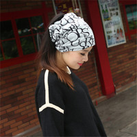 Wholesale New arrival Use Cap Knitted Scarf Winter Hats for Women Letter Beanies Women Hip hot Skullies girls women Beanies