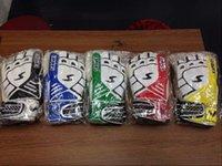 Wholesale 2016 Top Latex Bola De Futebol Gloves Football With Fingerstall Professional Game Soccer Goalkeeper Gloves Guantes De Portero Sports gloves