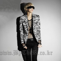 Wholesale New Men s Fashion Unique Leopard Print Designer Blazer Coat Cool Prince Golden Floral Slim Fit Casual Party Suit
