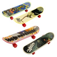 Wholesale Hot High quality creative novelty cute mini children s toys skateboard athletic finger skateboard gifts for the children