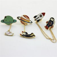 animal planet costumes - Fashion Vintage Enamel style Spaceman Planet Charm Costume Brooch Pins Jewelry Accessories for Women s girl brooch badge