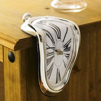 Wholesale Degrees of Distortion Wall Clock Creative Rome Digital Clock Melting Clock Art Collection Sitting Room Creative Decoration