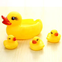Wholesale 100pcs mini yellow rubber ducks baby bath water toys for sale kids bathing pvc duck with sound floating duch
